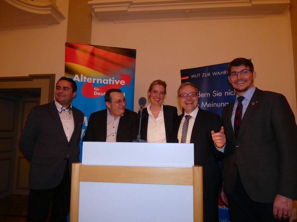 (V.l.n.r.) Jan Wettach, Oliver Schnell, Dr. Alice Weidel, Marc Bernhard, Dr. Paul Schmidt